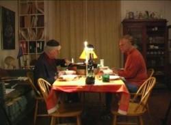 Dokumentarfilm om pianisterne og vennerne Jurij Moskvitin og Ilja Bergh, filmet i Iljas hjem i november 2004.