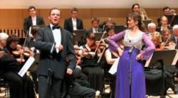 Film om Sigurd Barretts arbejde med opera, opretter og symfonisk musik. Optaget i Alsion Koncertsal.