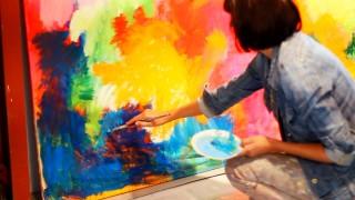 Kort profilfilm om kunstmaler Karen Willesen og hendes arbejde med de store lærreder