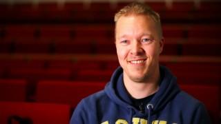 Én af fire film om Adgangskursus, Aalborg Universitet, med fokus på de forskellige baggrunde de studerende kommer med og deres ligeså forskellige fremtidsdrømme og planer