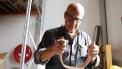 Én af tre film produceret for Silkeborg Kommune i anledning af den nye erhvervsstrategi. Filmen fortæller historien om Stig leander og hans vej fra opfinder i garagen til indehaver af en anerkendt designvirksomhed med fokus på børnemøbler i høj kvalitet.